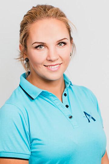 zahnarzt-koenigsbrunn-anselm-team-julia-felsing