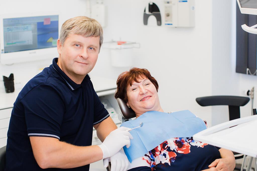 zahnarzt-koenigsbrunn-anselm-behandlung-praxis