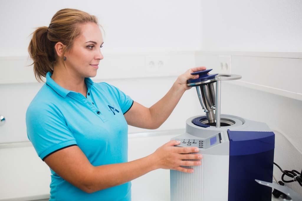 zahnarzt-koenigsbrunn-anselm-hygiene-praxis